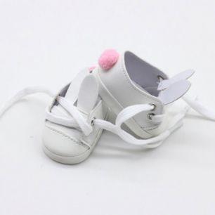 Обувь для кукол - туфли белые с ушками и помпоном